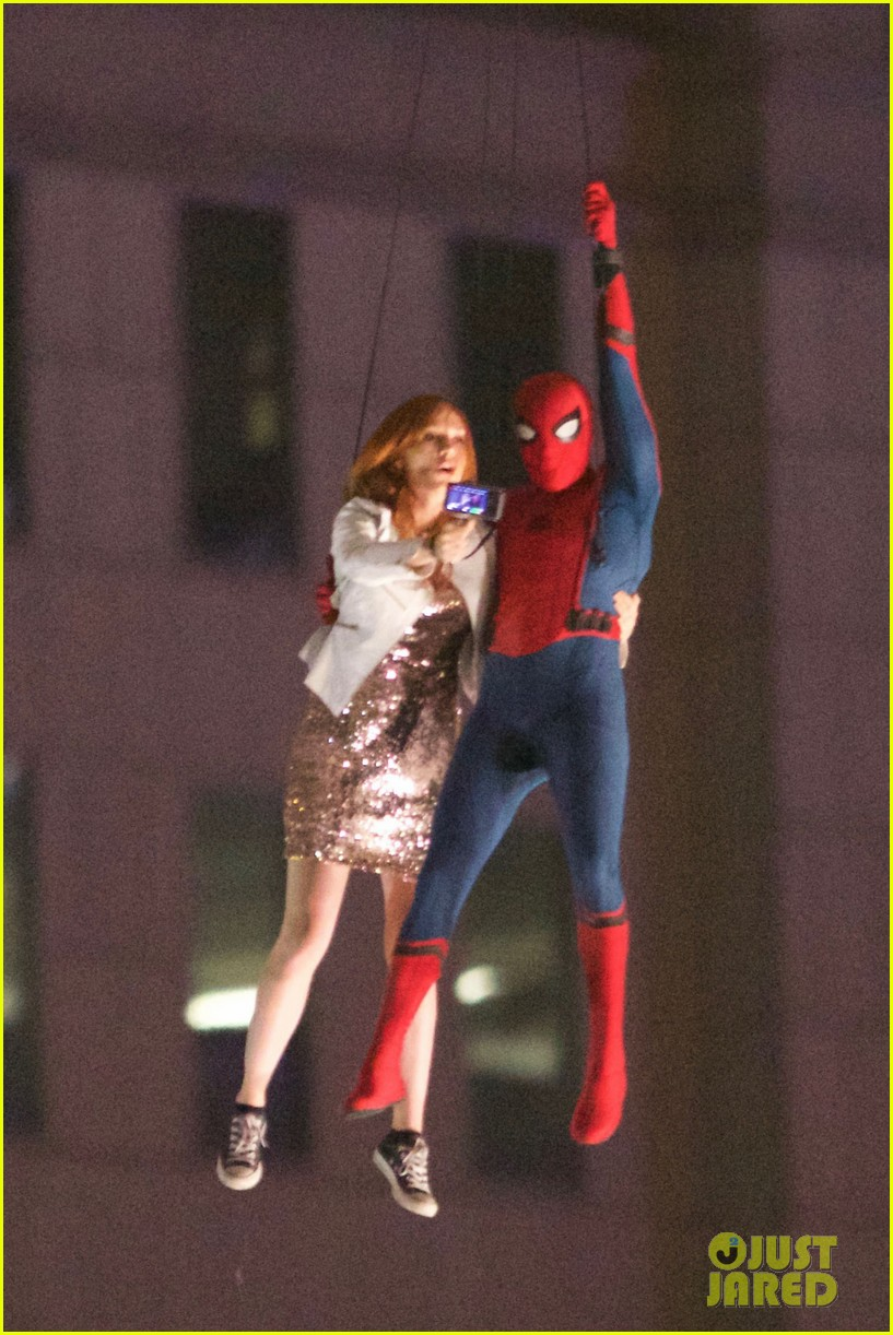 spider-man-stunt-doubles-helicopter-scene-02